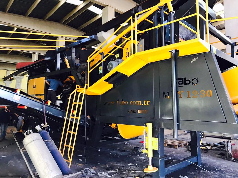 advantages of the tire type mobile crushing plant essay Advantages of mobile crushing plant essay 305  mobile crusher has performance advantages and features: 1mobile crusher plant has equipment installation of the .
